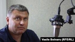 Expertul Victor Chirilă în studioul Europei Libere la Chișinău