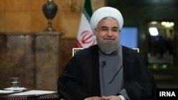 رییس جمهوری ایران میگوید توافق اتمی وین در برخی زمینهها مانند فروش نفت و نقل و انتقال پول به خوبی اجرا شده است.