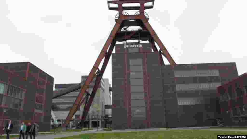 Another view of Shaft 12 at the Zollverein Coal Mine Industrial Complex