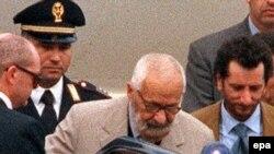 Итальянцы не верили, что можно избавиться от коррупции, но все же начали борьбу с ней с самого верха. Великий магистр запрещенной масонской ложи Propaganda Due Личо Джелли садится надолго