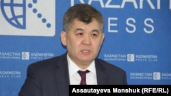Қозоғистон соғлиқни сақлаш вазири Елжан Биртанов.