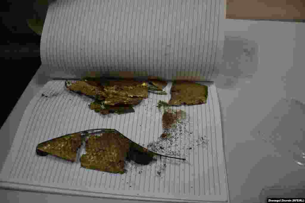 Көне обадан табылған ежелгі заманғы ер-тұрман қалдықтары.
