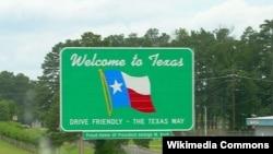 """Если отнестись серьезно к некоторым заявлениям американских политиков, стоит начать изготавливать новые дорожные знаки - """"Добро пожаловать в государство Техас"""""""