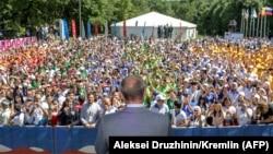 Эта молодежь не знала другого президента. Форум в Пятигорске, август 2018