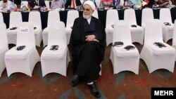 دفتر ناطق نوری گفته است که وی از «هیچ گروه سیاسی خاص حمایت نکرده» و با آن «همکاری ندارد».