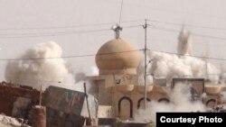 Se crede că membri ai grupării IS au aruncat distrus monumente istorice și obiective culturale din Irak