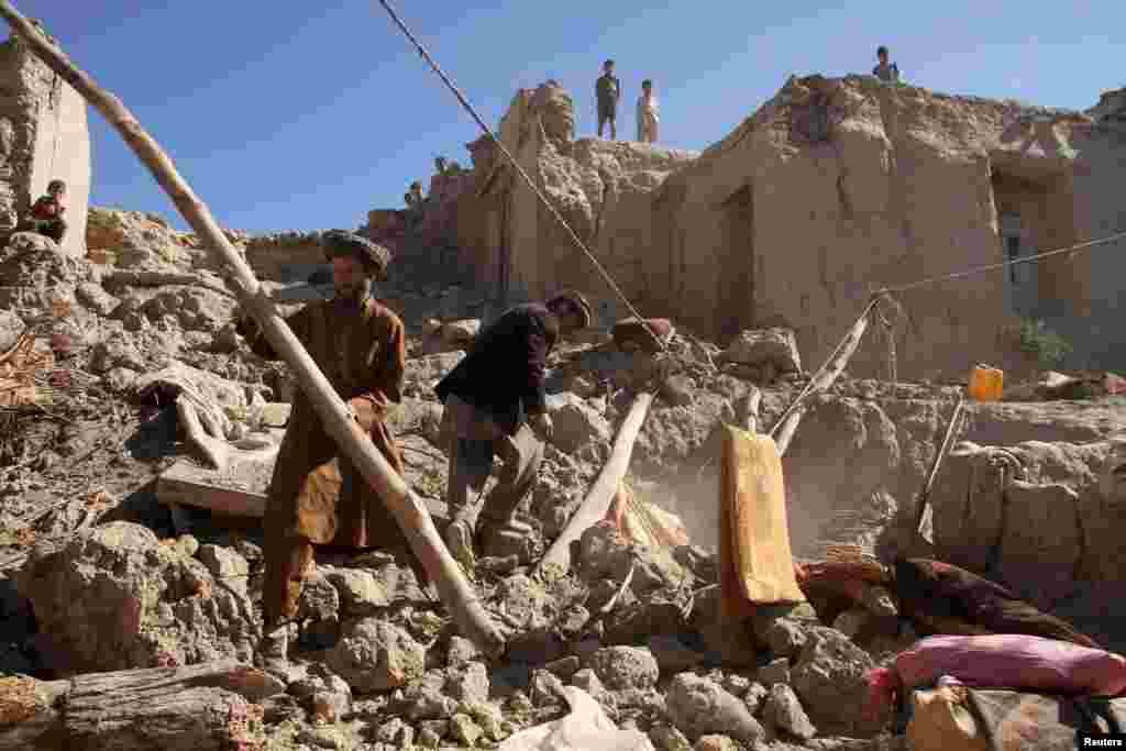 Разрушения в афганской провинции Бадахшан.