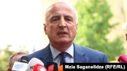 Бадри Джапаридзе общается с журналистами после посещения Генпрокуратуры, 24 июля 2019 г.