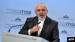 Ministri i Jashtëm iranian, Mohammad Javad Zarif gjatë fjalimit të tij në Konferenën e Sigurisë në Mynih