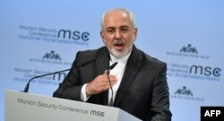 Iranian Foreign Minister Mohammad Javad Zarif gives his speech in Munich.