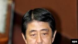 نخست وزير ژاپن روز جمعه اعلام کرد اين کشور تحت هيچ شرايطی حضور کره شمالی مجهز به سلاح هسته ای را تحمل نمی کند.