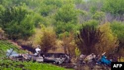 Залишки збитого бойовиками вертольота