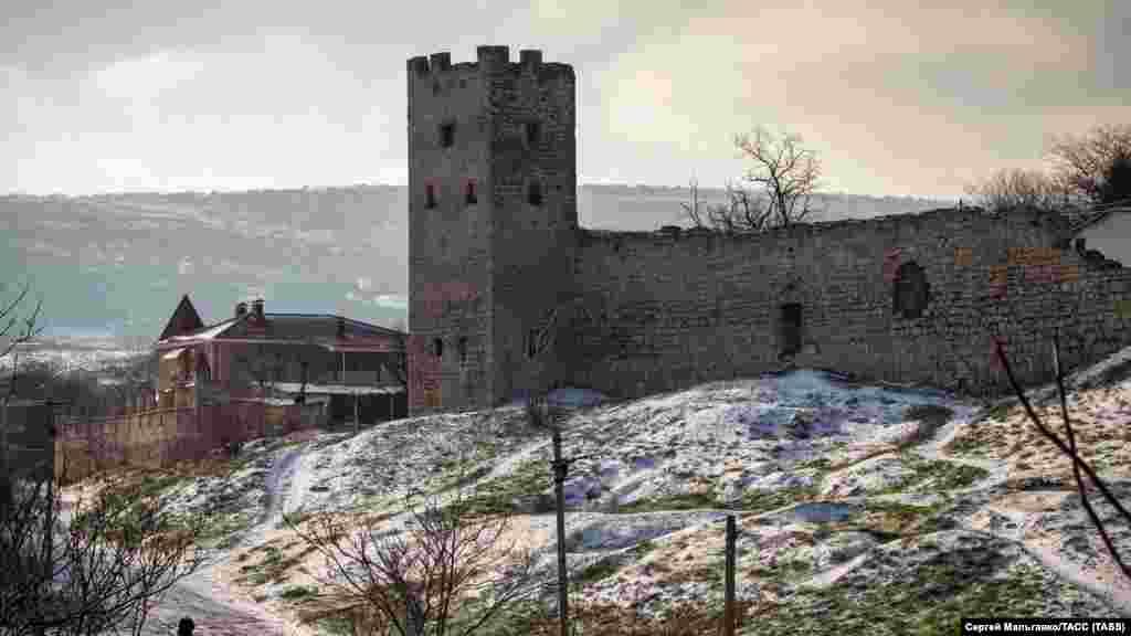 На территории Генуэзской крепости «Кафа» в Феодосии