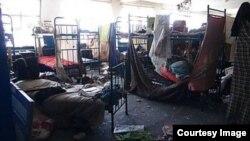 Разрушенная в результате боев Чернухинская исправительная колония