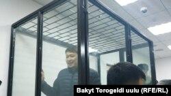 Сапар Исаков в зале суда. Архивное фото.