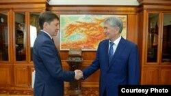 Алмазбек Атамбаев и Сапар Исаков