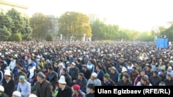 Айт намазга чогулган эл, Бишкек, 15-октябрь.