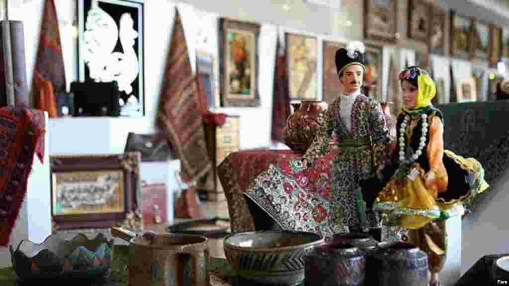 برگزاری نمایشگاه صنایع دستی ایران در حاشیه نشت غیرمتعهدها