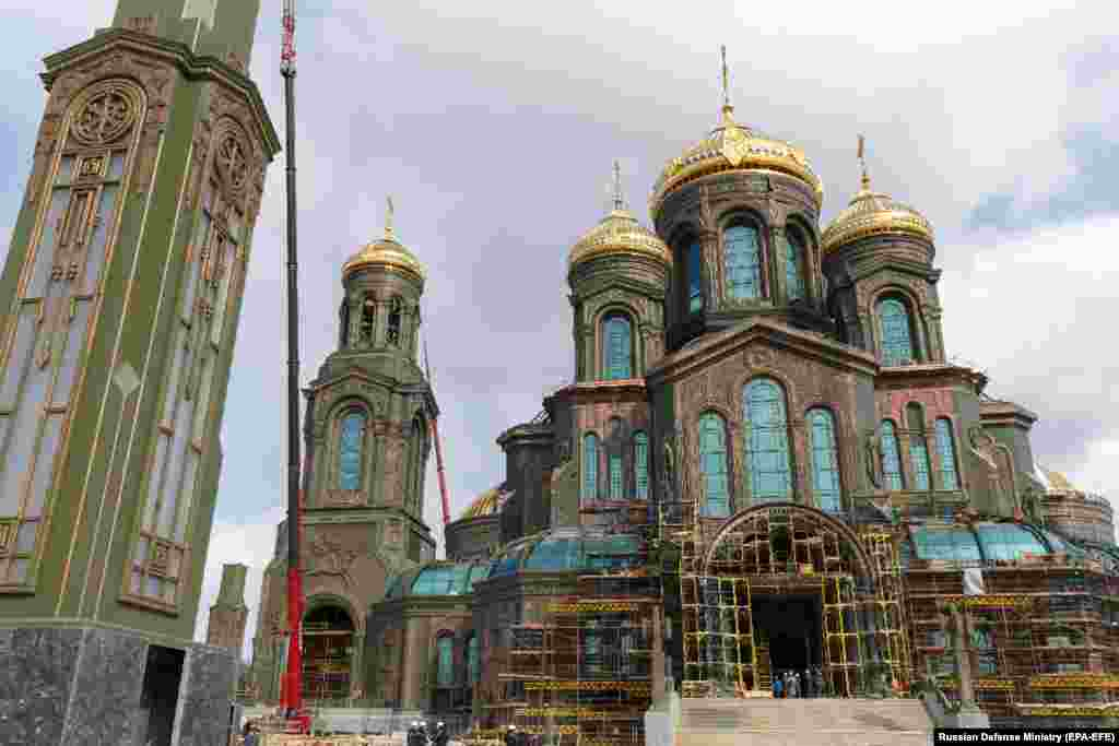 The main facade of the cathedral, located some 60 kilometers from central Moscow in Patriot Park.