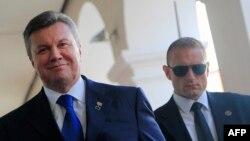Віктор Янукович прибуває на саміт у Братиславі, 13 червня 2013 року