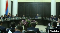 Armenia - Prime Minister Nikol Pashinian holds his first cabinet meeting in Yerevan, 11 May 2018.