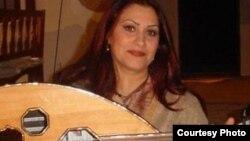 الفنانة العراقية سحر طه