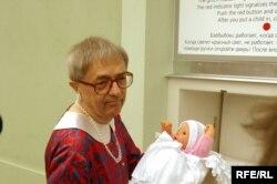 Чехин Республика - Прахlерчу Хlлоубетинехь дуьххьара бэбибокс схьайоьллучу церемонехь, 1Мар2005