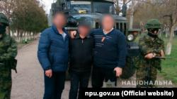 Підозрювані у викраденні француского оператора в Криму