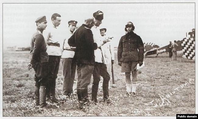 Генерал Врангель советуется со своими офицерами. Крым, 1920 год