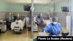 Италиянең Кремона шәһәре хастаханәсендә коронавируслы пациентлар