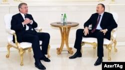Одна из встреч президента Азербайджана Ильхама Алиева и принца Эндрю в Баку (архивная фотография)