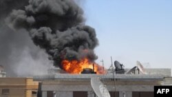 Syria -- Allegedly an explosion in the flashpoint Khalidiya district of the central Syrian city of Homs, 23Jul2012