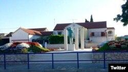 Spomenik Miri Barešiću u selu Drage, Hrvatska