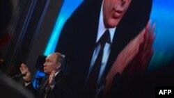 """""""Большая"""" пресс-конференция Путина в 2013 году"""