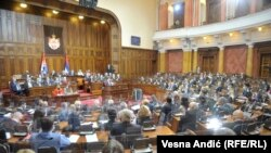 Nova vlada imaće šest osnovnih ciljeva, a prvi je zdravlje građana, rekla je Brnabić pred poslanicima