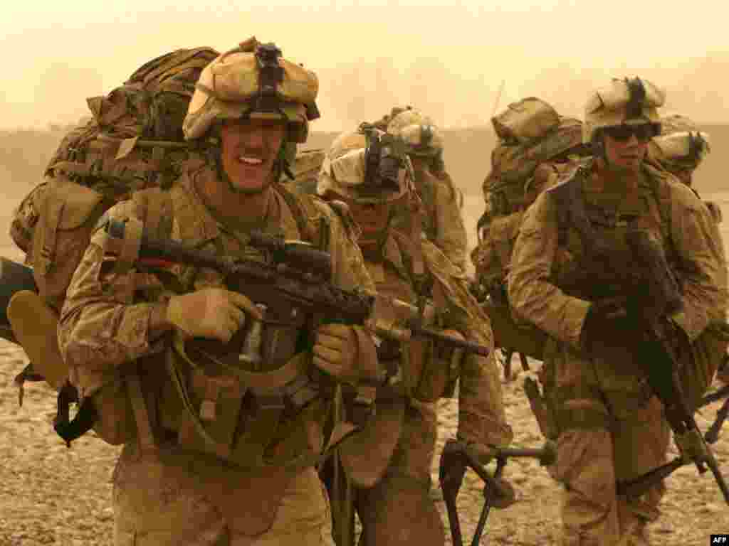 Аўганістан: амэрыканскія марскія пэхацінцы падчас баявой апэрацыі