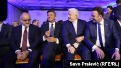 Predsjednik Slovenije Borut Pahor i premijer Crne Gore Duško Marković (u sredini) na 2BS Forumu
