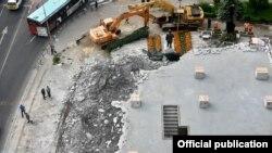 Уривање на дивоградбата кај Мавровка