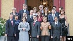 """Саммит стран """"большой восьмерки"""" в 2007 году: Владимир Путин принял в нем участие вместе с супругой"""