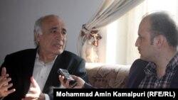 حاجی سید داود کارشناس مسایل سیاسی در جریان مصاحبهء اختصاصی با سید فتح محمد بها خبرنگار رادیو آزادی در کابل.