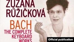 Zuzana Ruzickova pe coperta ediției complete Bach publicată de Warner Classics