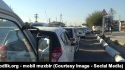 Последние несколько лет во многих регионах Узбекистана наблюдается дефицит бензина. Архивное фото.