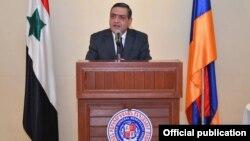 Հյուպատոս Տիգրան Գևորգյանը ելույթ է ունենում ՀԲԸՄ Սիրիայի մասնաճյուղի կազմակերպած ձեռնարկի ժամանակ
