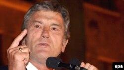 Віктор Ющенко на мітингу в Тбілісі. 12 серпня 2008 р.