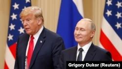 Президент США Дональд Трамп (л) і його російський колега Володимир Путін, Гельсінкі, Фінляндія, 16 липня 2018 року