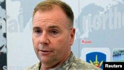 Командантот на американските сили во Европа Бен Хоџис