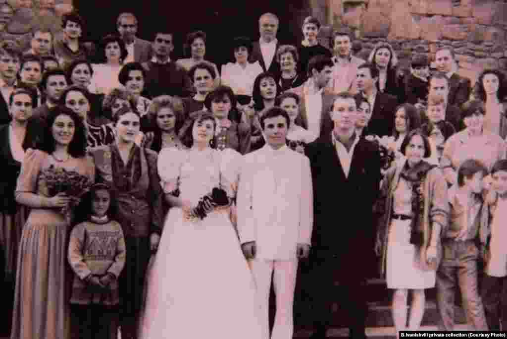 Ivanishvili and Eka Khvedelidze at their wedding in Svetitskhoveli, on October 19, 1991.