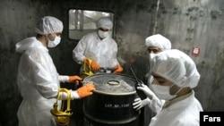 محمد البرادعی، اقدام ایران را در کاهش بازرسی های آژانس از تاسیسات هسته ای این کشور، «تاسف آور» خواند