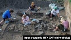 Археологи ИГУ на раскопках в Тункинской долине