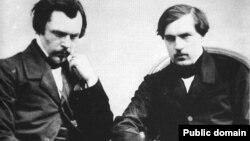 Frații Goncourt, Edmond (stânga) și Jules (dreapta) fotografiați de Félix Nadar